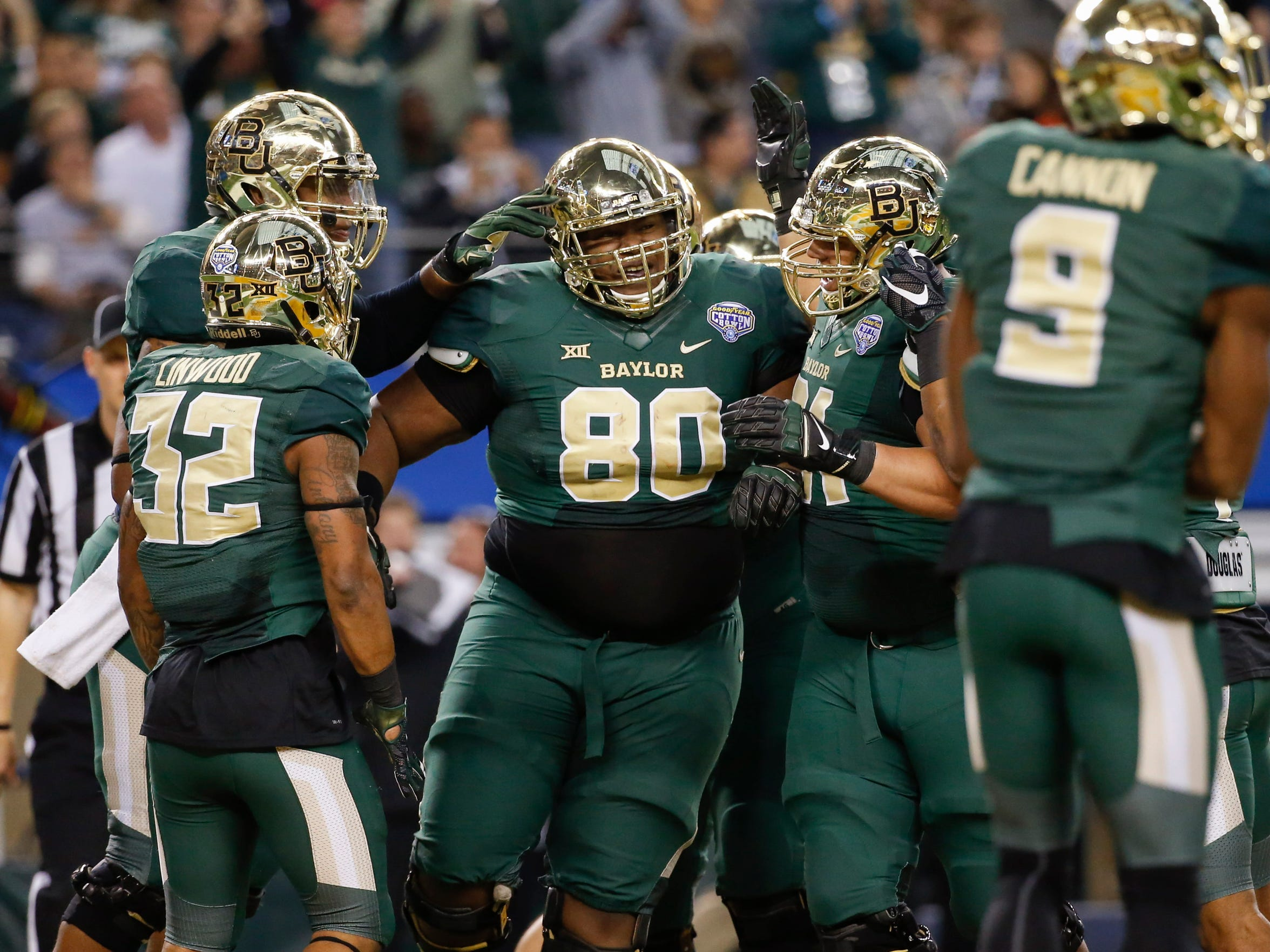 LaQuan McGowan (80) and Co. give Baylor one of the