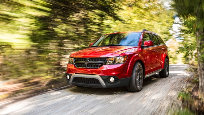 The 2015 Dodge Journey Crossroad has a roof profile that's between a crossover and small wagon while step-in height and interior volume rival minivans.