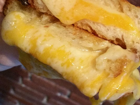 636275334630318702-RoosterGrilledCheese.jpg