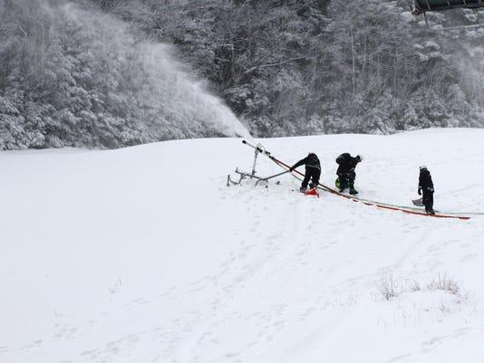 2015-12-04-JA-snow-employees-patrol-snowmaking-scenics-031