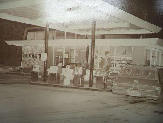 Eddie's service-station-gas-pumps.jpg