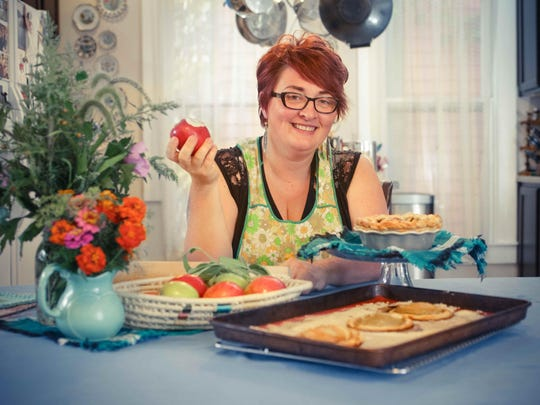New Star columnist Twinkle VanWinkle creates cardamom apple tarts and an Oprah Pie 2.0 in her home kitchen.