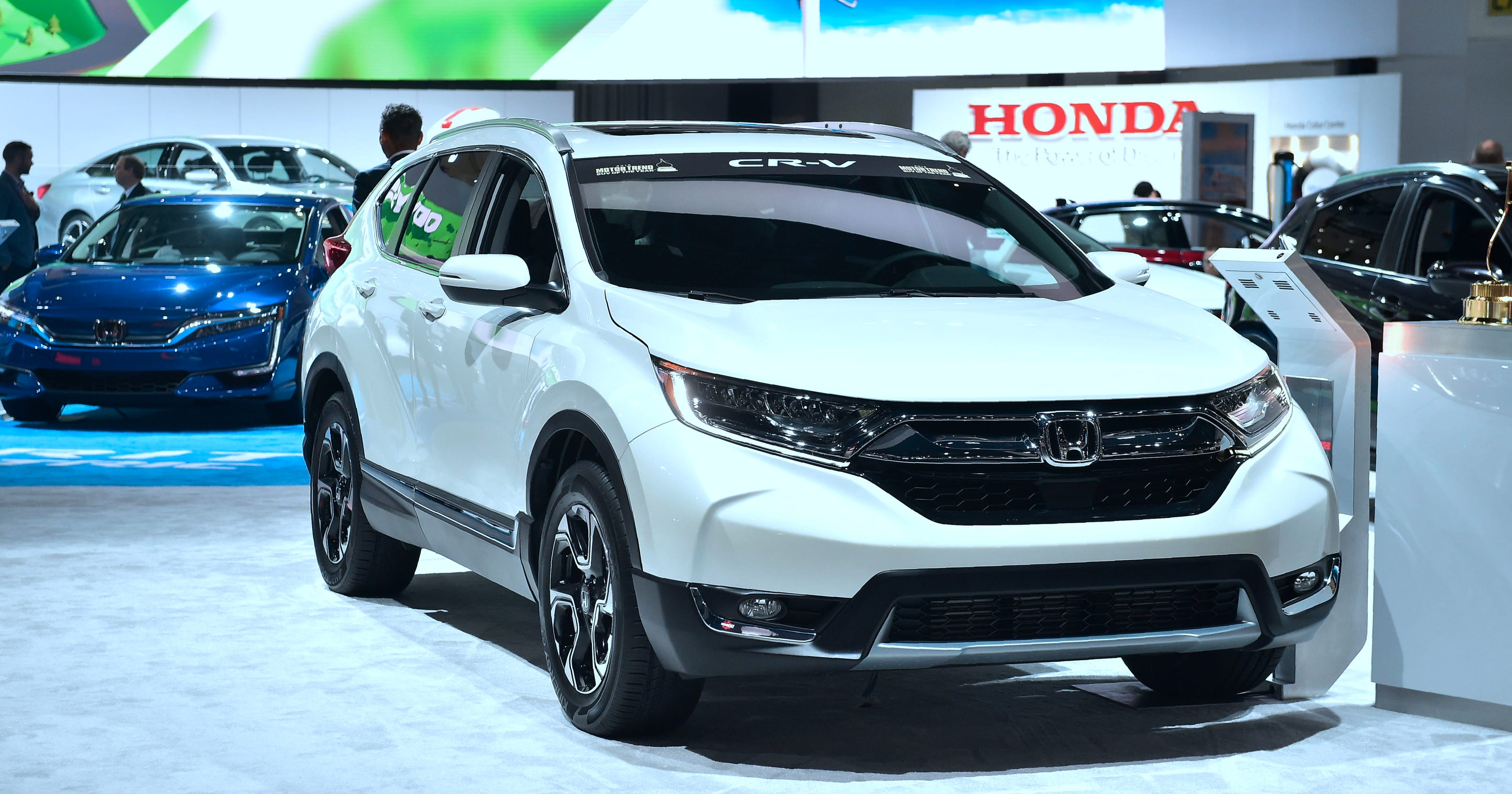 Crossover SUVs compared: A closer look at Honda CR-V and ...