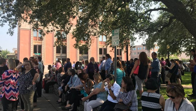 Hundreds of people evacuated from Escambia County courthouse this morning. The court isn't making a statement on what the threat is right now but ECSO court security is keeping people at Plaza Ferdinand.