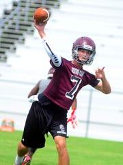 Senior quarterback Tyler Thompson returns from a knee