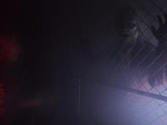 JS-1009-HauntedHouse-03