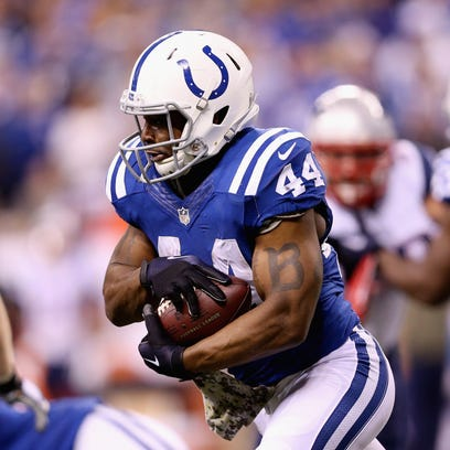 INDIANAPOLIS, IN - NOVEMBER 16:  Ahmad Bradshaw #44