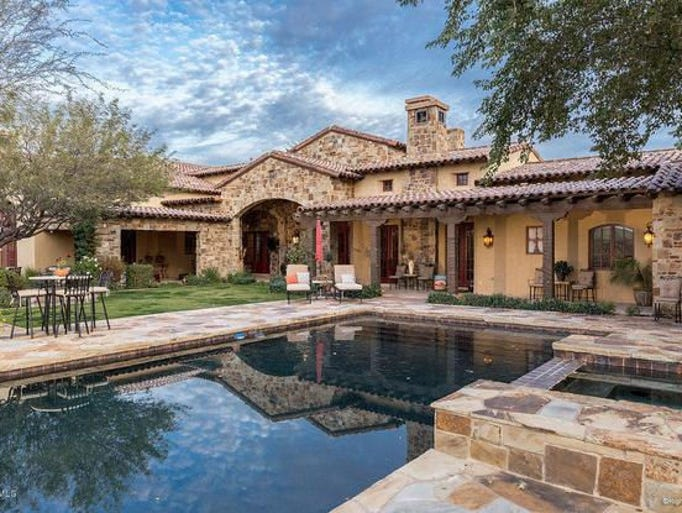 Luxury Homes 3 3M Scottsdale Home Features Putting Green