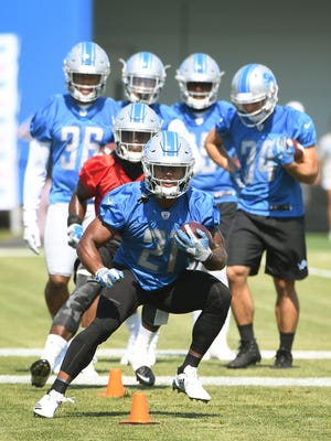 Ameer Abdullah and the Lions finished in the NFL in rushing last season with 76.3 yards per game.