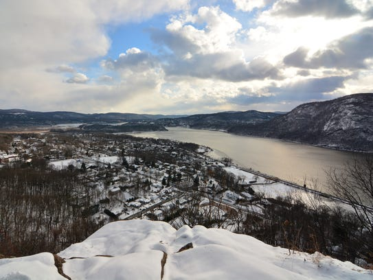 View of Cold Spring and the river from Table Rock.