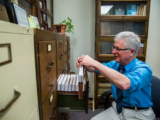 Harry Hillaker, Iowa's outgoing state climatologist,