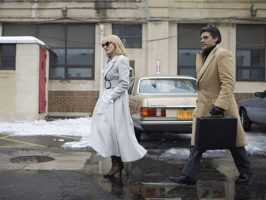 Jessica Chastain and Oscar Isaac play a married couple