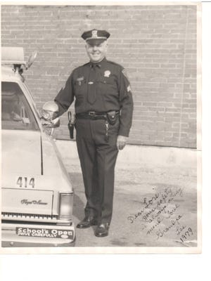 Lester Teicher, a retired Ramapo police officer, died Wednesday. He was 90.