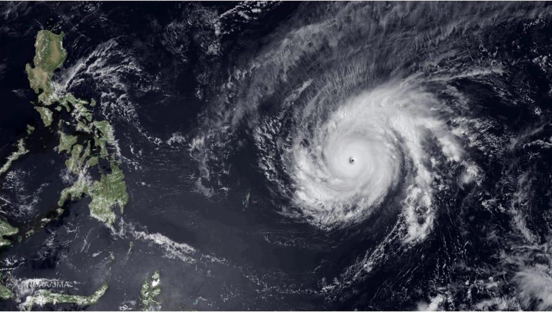 super typhoon maysak roars in pacific eyes philippines. Black Bedroom Furniture Sets. Home Design Ideas