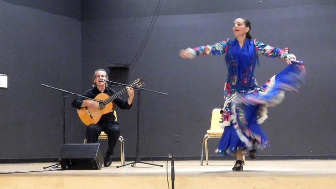 Paco and Celia Fonta performing for FSUS students.