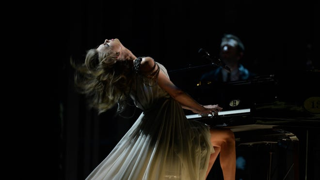 """1/26/14 6:07:05 PM -- Los Angeles, CA, U.S.A  -- Taylor Swift performs """"All Too Well""""  at the 56th Annual Grammy Awards at the Staples Center in Los Angeles, CA. --    Photo by Robert Hanashiro, USA TODAY Staff ORG XMIT:  RH 130581 2014 GRAMMY AWAR 1/24/2014 (Via OlyDrop)"""