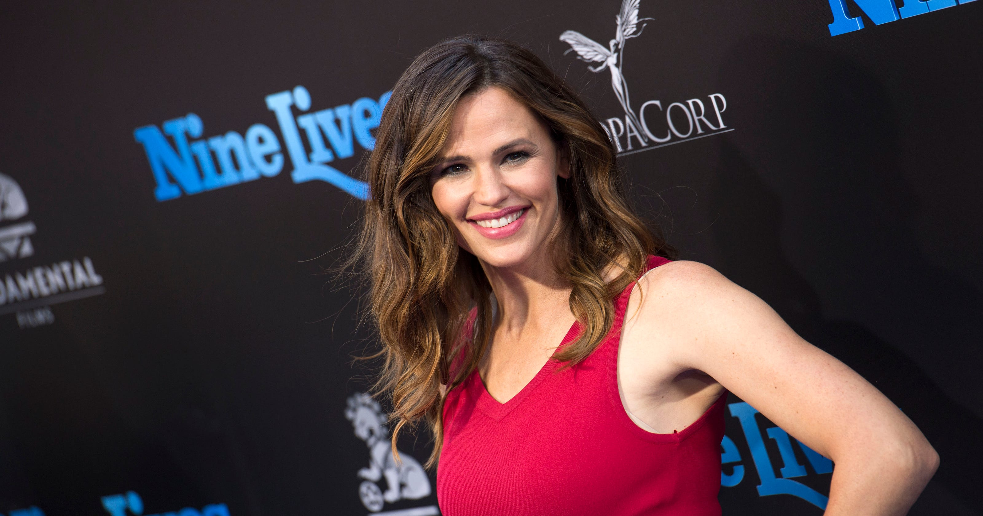Craving Girl Scout cookies? Just ask Jennifer Garner to send you some