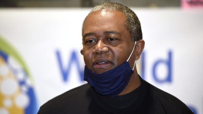 Augusta Mayor Hardie Davis wants the city to require that masks be worn in city buildings but Augusta commissioners failed to pass an ordinance on it Tuesday.