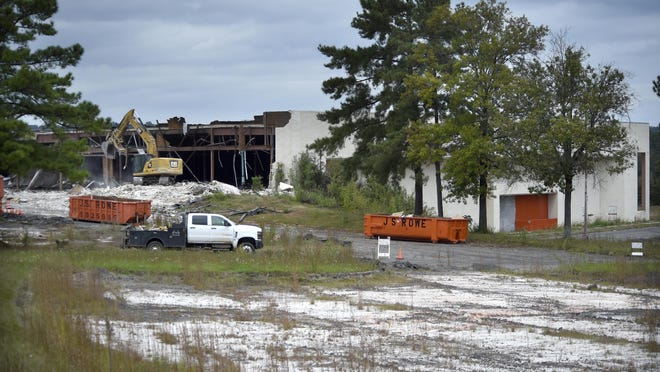 Commissioner John Clarke wanted to use the city's new blight ordinance against the Regency Mall site but didn't find support at a committee meeting Wednesday.