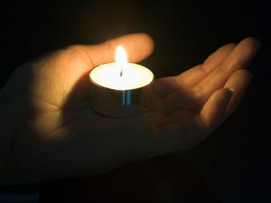 LDN-EC-120315-STOCKIMAGE-candle-1