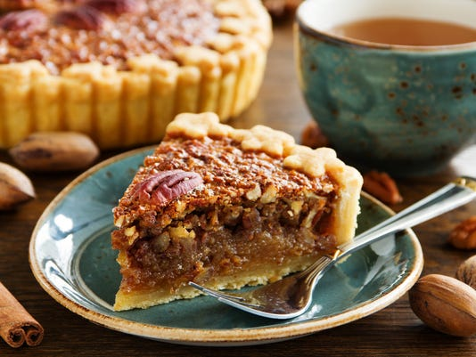 American classic cake with pecans and maple syrup.