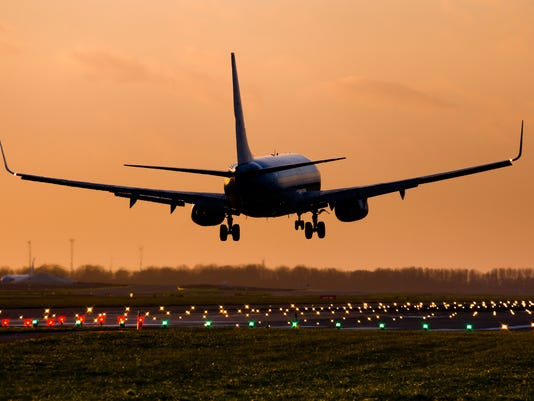 Commercial airplane landing