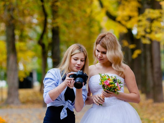 Put plans in writing with your wedding photographer so you can relax on the big day.