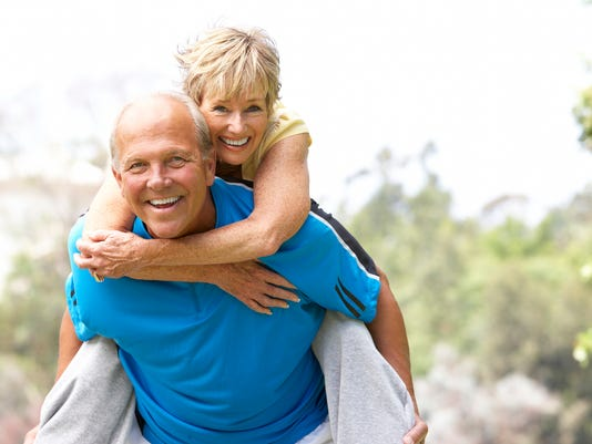 webkey-Senior-Couple-Exercising