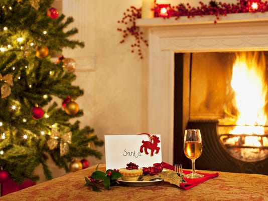Tartlet, wine and card for Santa