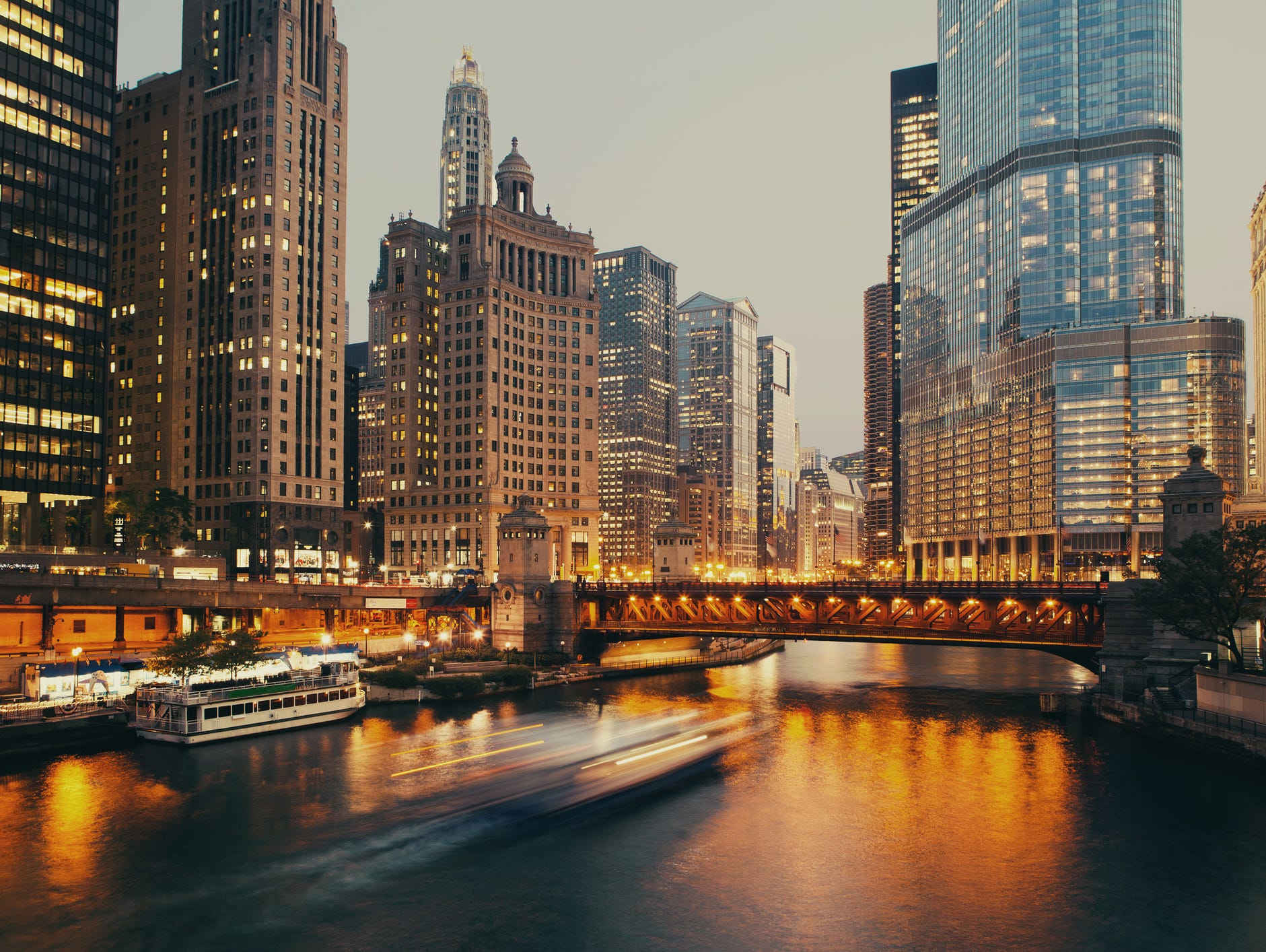 Win a four day three night stay in the Windy City - round trip train tickets and hotel included. Enter 4/15-5/13.