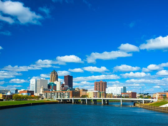 Enjoy the best of Des Moines with bike trails through