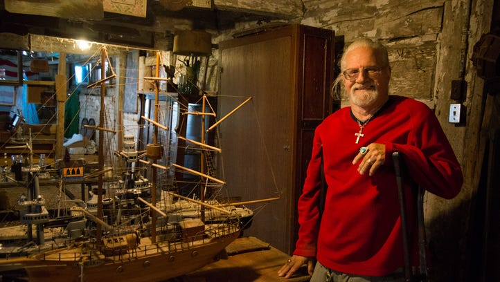 Antiques dealer to unload Manitowoc collectibles