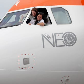 Boeing, Airbus jet sales soar as Farnborough Airshow winds down