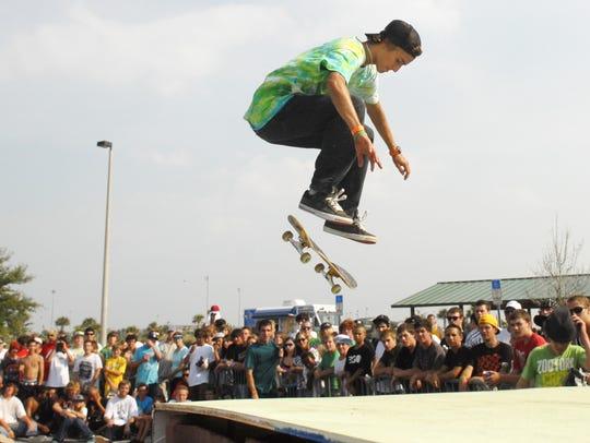 Max Catasus of Melbourne skates during the 2009 Big