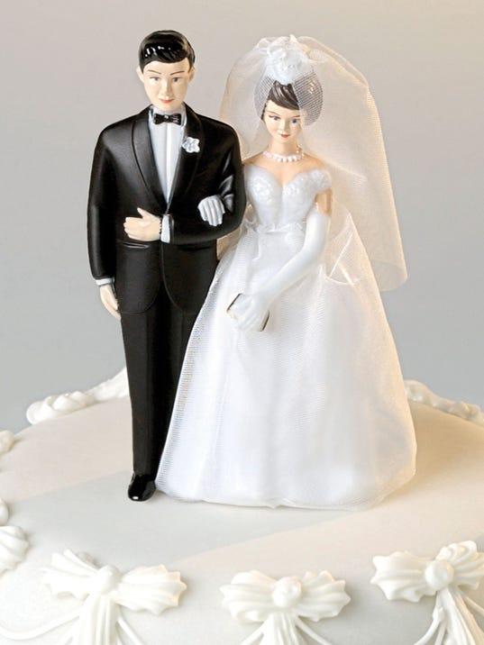 082917wedding-cake-getty.jpg