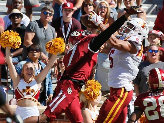 Iowa State wide receiver Allen Lazard (5) catches the