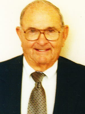 William Rowe Jefferson, 87, died November 25, 2014, at his home in Red Feather Lakes, Colorado.