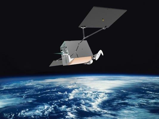 635963352455317689-oneweb-Satellite-with-Thruster.jpg