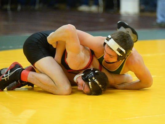 -12182015_cmr holiday wrestling-e.jpg_20151218.jpg