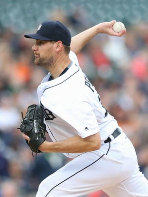 Tigers pitcher Mike Pelfrey pitches during the second inning during Tuesday's win at Comerica Park.
