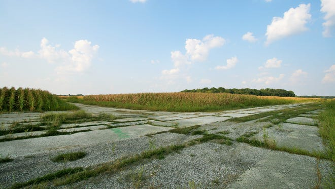 The former Speedway Airport site, which still has a runway, is included among 333 acres the Indianapolis Airport Authority is auctioning off Nov. 21, 2105.