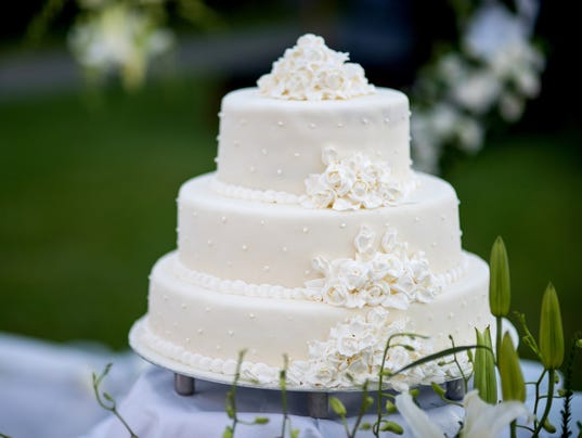 Learn What To Give For Wedding Gifts Photo Picsale Getty Images IStockphoto