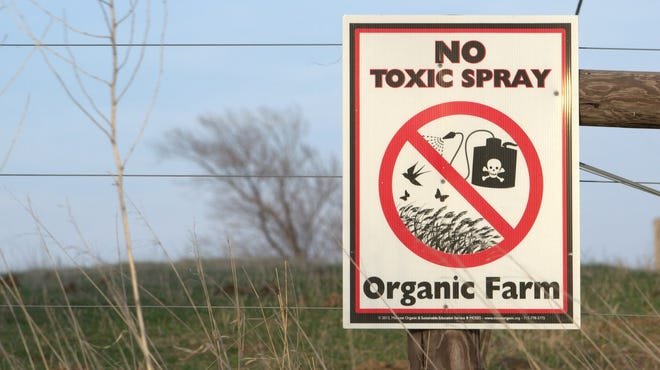 Aside from its other benefits to our health and environment, organic agriculture — which eschews synthetic pesticides and fertilizers — can potentially reduce overall greenhouse gas emissions by 20 percent compared to conventional farming.