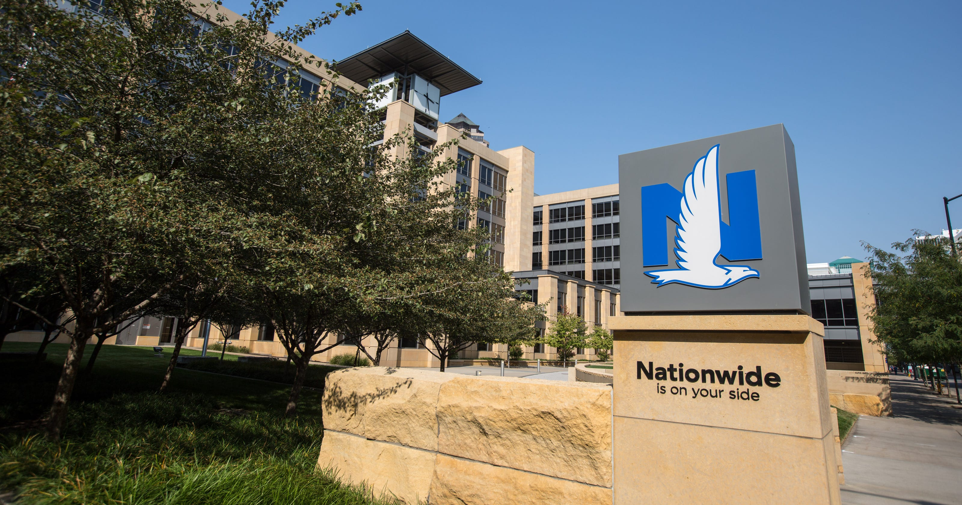 nationwide lays off des moines workers as it cuts 1 100 u s jobs