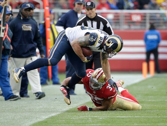 St. Louis Rams tight end Lance Kendricks (88) is tackled