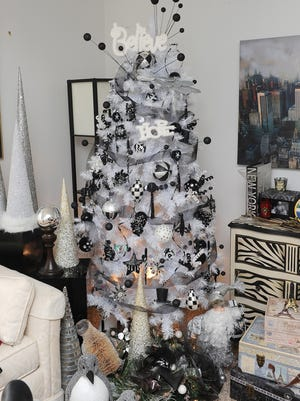 Schalinske calls this black and white tree in a guest bedroom her Believe and Hope Tree.