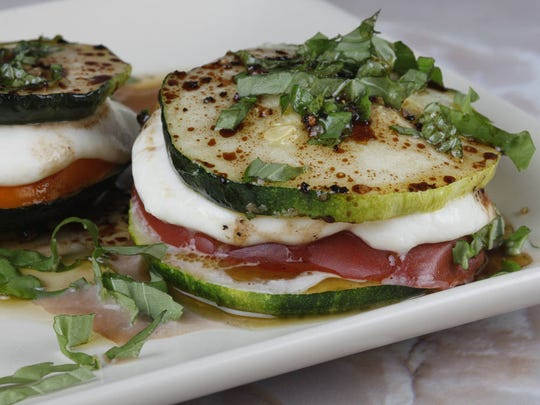 Grilled zucchini and cheese