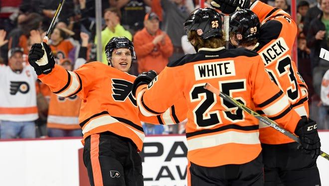 Brayden Schenn had a three-point game against the Penguins Sunday.