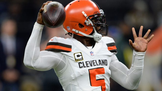 Cleveland Browns quarterback Tyrod Taylor (5) passes during the second half of an NFL football game against the New Orleans Saints in New Orleans, Sunday, Sept. 16, 2018. (AP Photo/Bill Feig)