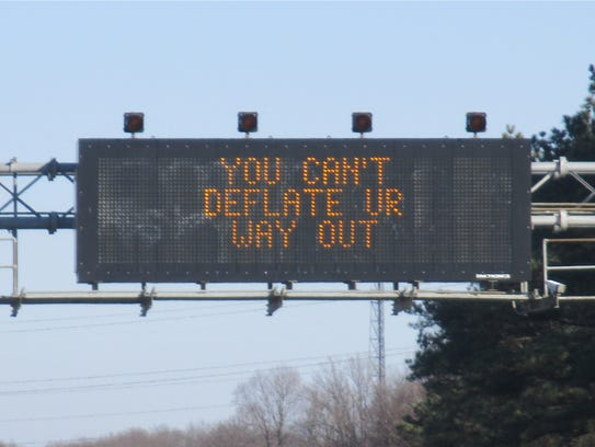 Overhead message boards on I-95.